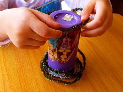 3-easy-Christmas-games-for-kids-magic-ring-toss